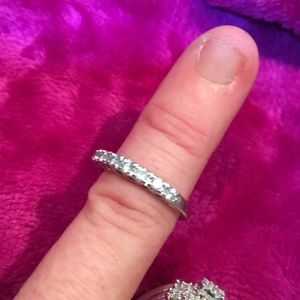 Jewelry - 10k white gold approx. 1/3 CT real diamond clear